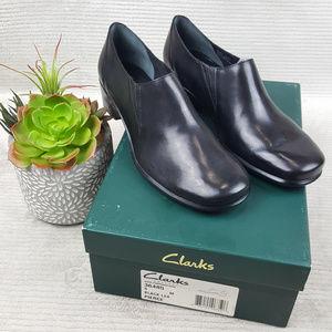 Clarks PIERCE 36485 Wedge Heel Slip On Bootie Sz 9
